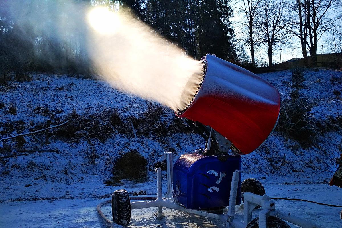 Armatka śnieżna WS Snow 195 na wyciagu Partecznik w Wiśle